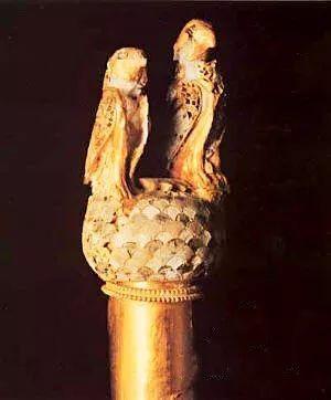 公元前11世纪 库里安黄金权杖
