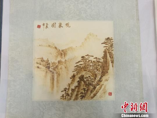 刘凯的火笔画作品 刘浩 摄