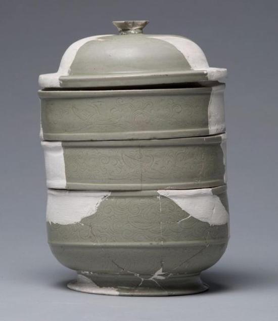 青瓷划花云鹤纹盒 北宋咸平三年(1000) 口径11.0厘米 底径10.5厘米 通高20.5厘米