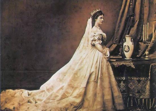 ▲成为匈牙利王后的茜茜公主