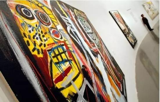 巴黎现代艺术博物馆举行让米歇尔巴斯奎特展庆祝其诞辰50周年