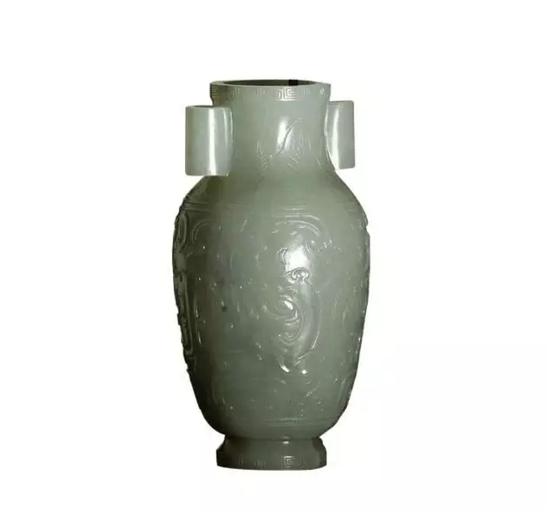 清 和田玉兽面纹贯耳瓶高 14.1cm
