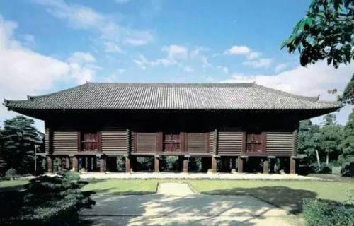 日本正仓院位于奈良市,始创于八世纪后半叶,是宫内厅直接管理,专门保管皇室的收藏品。
