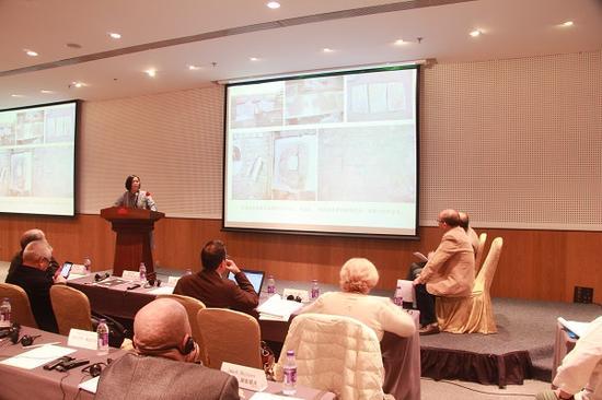 内蒙古博物院研究员杜晓黎发表题为《清水河县窑沟乡塔尔梁五代墓葬壁画题材内容及审美特征》的报告