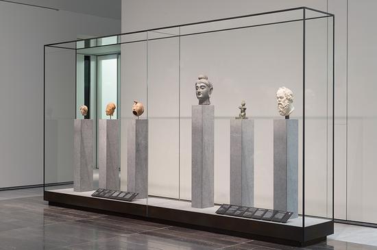 """3号展馆举办了标题为""""文明与帝国""""的展览"""