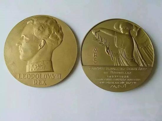 比利时优秀美术金质奖章