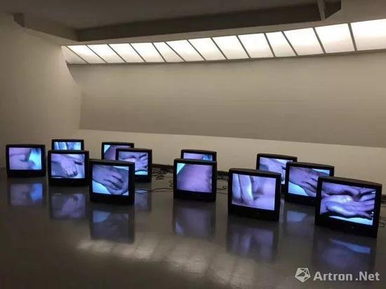 博而励画廊 张培力1996年重要作品《不确切的快感II》于古根海姆博物馆