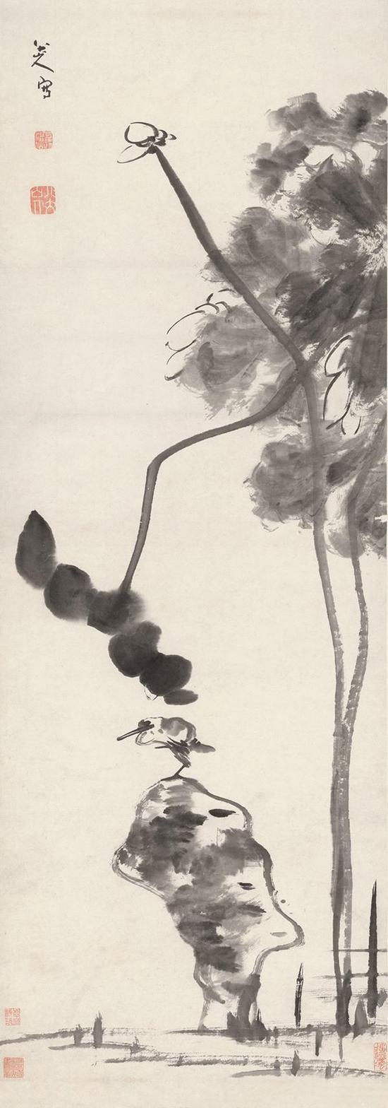 八大山人《荷石水鸟图轴》,纸本水墨,127×46cm,清,故宫博物院藏