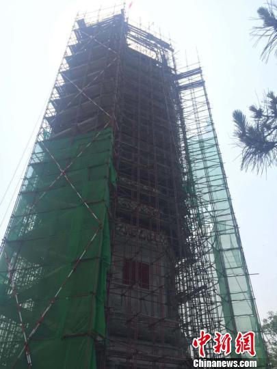 图为正在修缮的燃灯塔。北京市通州区供图