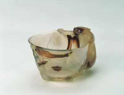 玛瑙单螭耳杯