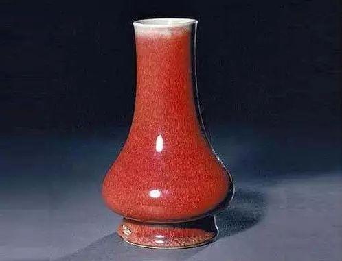 清康熙郎窑红釉穿带直口瓶