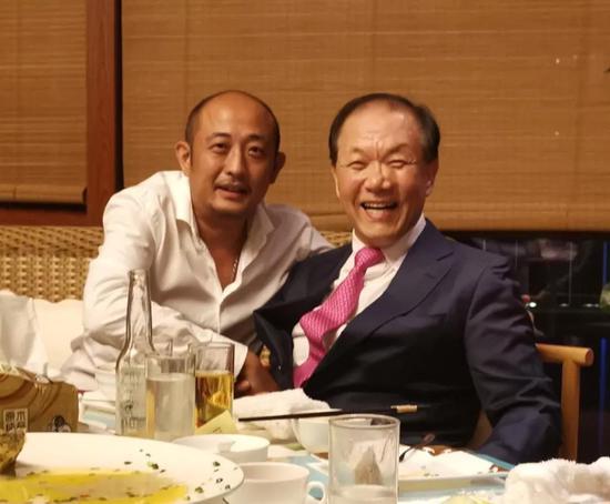 庄东辉先生与黄祐吕先生合影