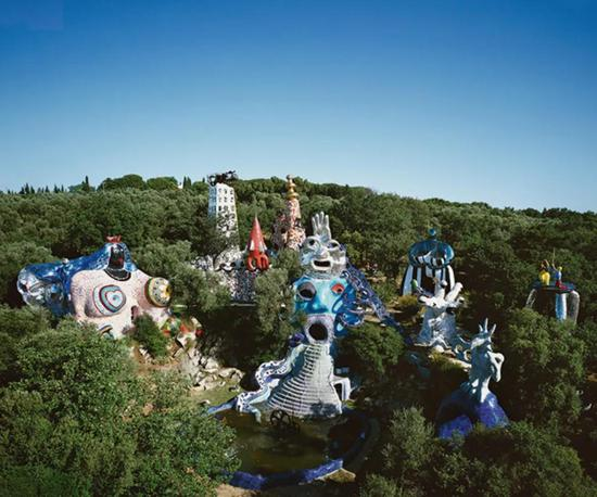妮基-圣法勒的塔羅花園(Tarot Garden)全景 (圖片版權:Laurent Condominas)