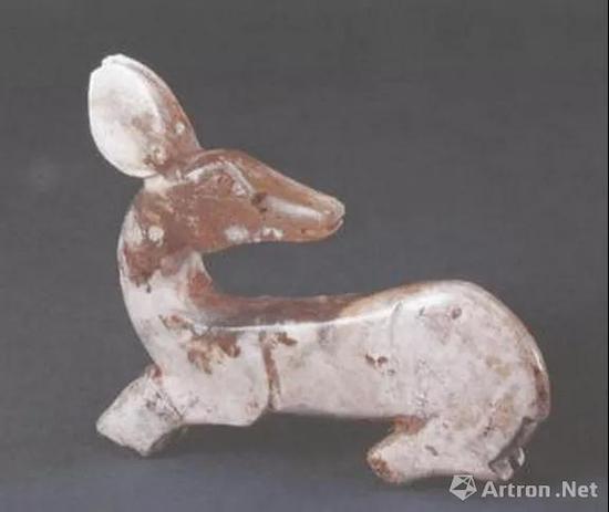 北京故宫博物院藏西周早期玉鹿