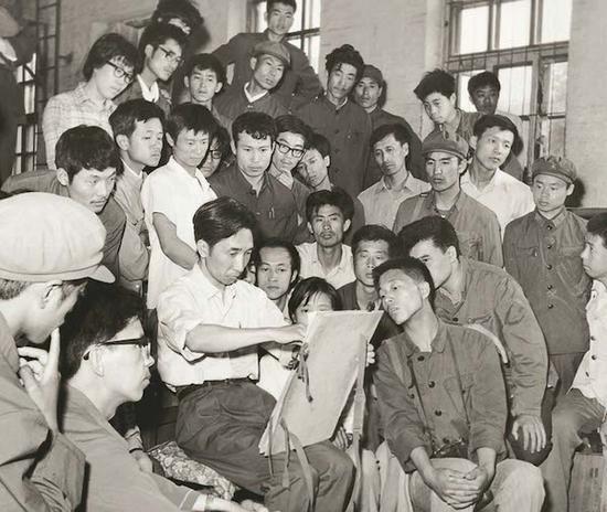 1980年,靳尚谊在在东北师大艺术系