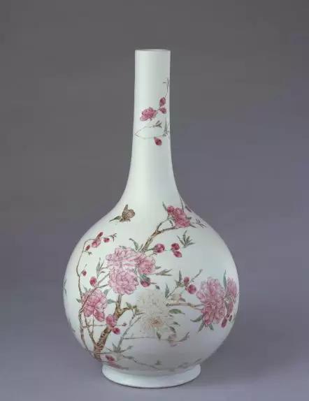 粉彩桃花纹直颈瓶 清雍正 故宫博物院