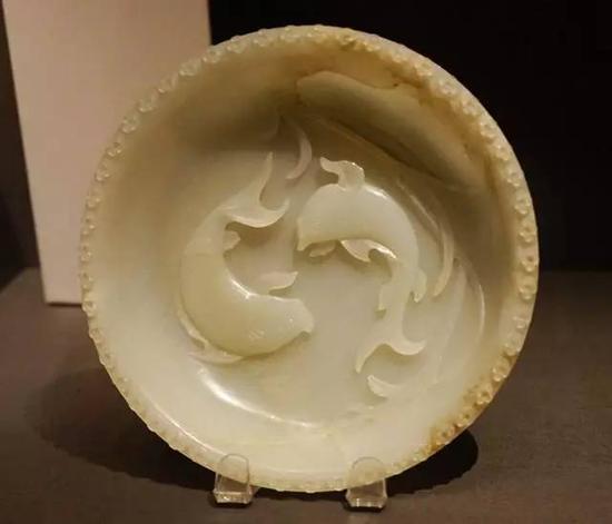 芦苇双鱼盘 明末或清,17-18世纪