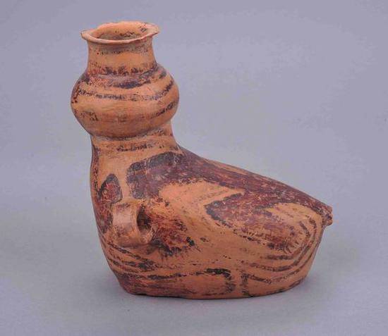 鸭形彩陶壶新石器时代 马厂类型 海东市民和县加仁庄遗址出土