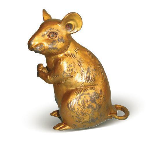 [清]锡鎏铜铸型坐鼠倒流壶 高15厘米