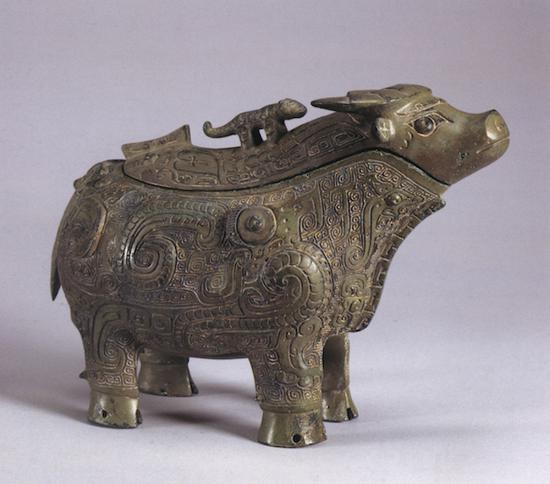上海博物馆收藏的凤纹牺觥(图4)