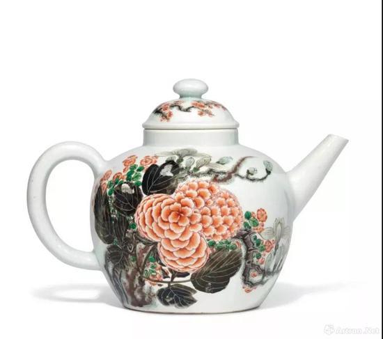 清雍正 五彩玉堂富贵图诗文茶壶 双圈六字楷书款 宽 26.7 cm。