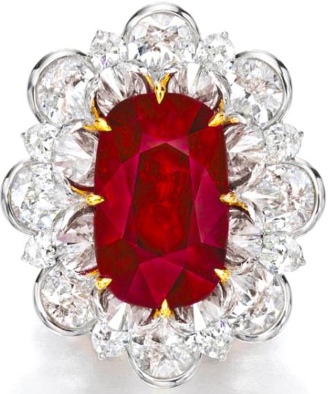 红宝石配钻石戒指