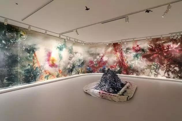 《花瞬一、二》,2019,維多利亞州國立美術館 攝影:Tobias Titz
