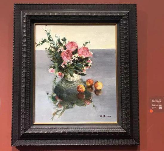崔开玺 玻璃桌上的月季 50×60cm 2016年 成交价:5万元