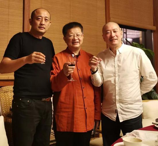 左起:国寿嘉园·逸境总经理庄东辉先生、中国国家画院副院长曾来德先生、傅榆翔