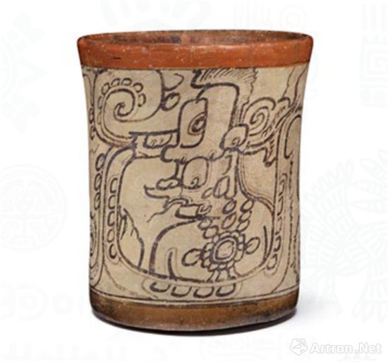 卡维尔纹陶罐,卡维尔是一位长着蛇脚和长嘴的神灵,也是闪电神。