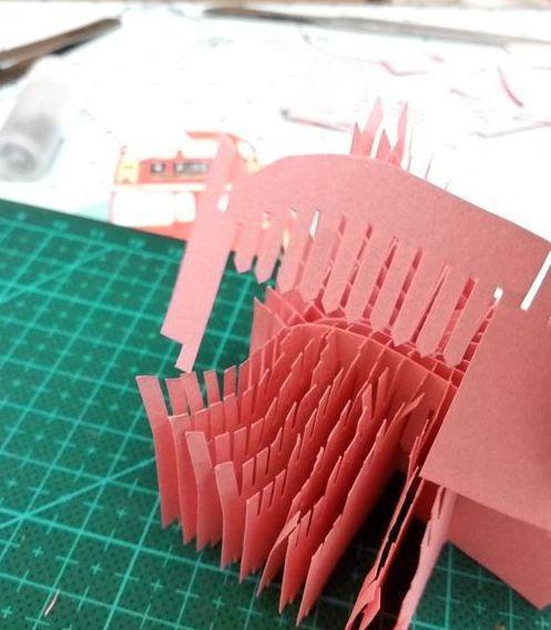 (4)最后两片,侧面两两相对拼插。