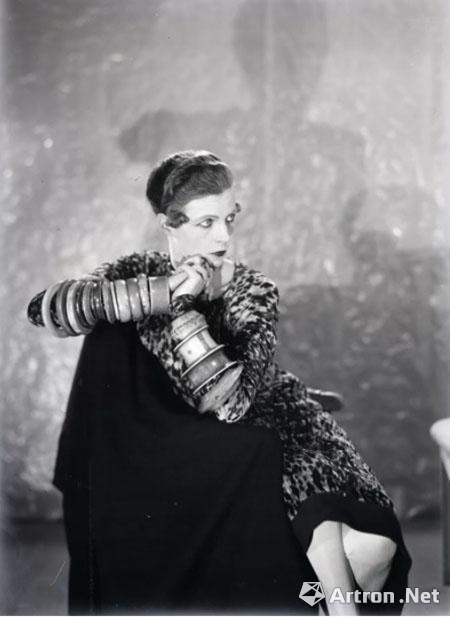 南希·库纳德,1925年,Man Ray摄照片: Fine Art Images / HIP / TopFoto。 ? Man Ray Trust/ADAGP, Paris and DACS, London 2018