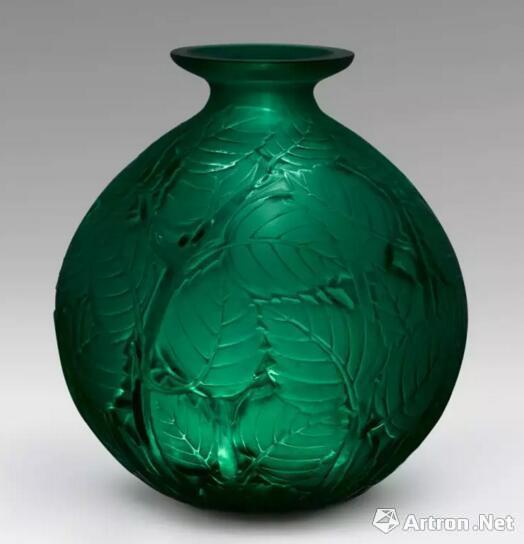 法国拉利克翠绿色叶纹瓶(20世纪初)