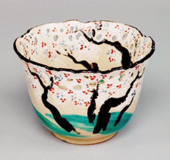 《色绘樱树图透钵》,仁阿弥道八,江户时代?19世纪