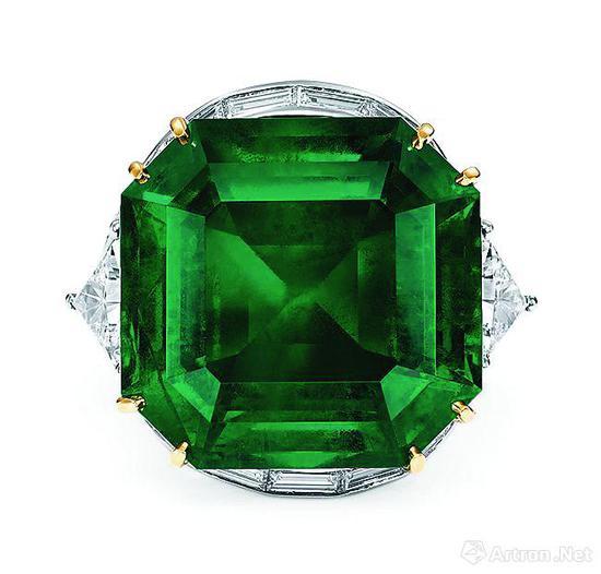 45.94克拉天然哥伦比亚祖母绿配钻石戒指,嘉德2017秋拍会拍品,流拍