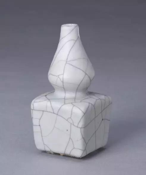 哥釉葫芦瓶 明 故宫博物院