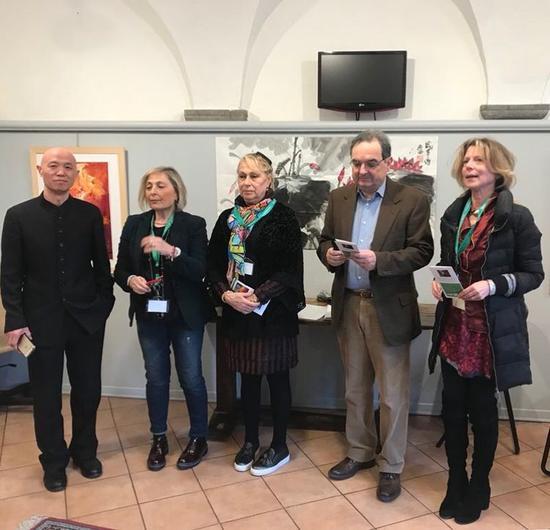 画展开幕式上佛罗伦萨电视台 艺术界领导 学术主持 美术馆领导出席讲话