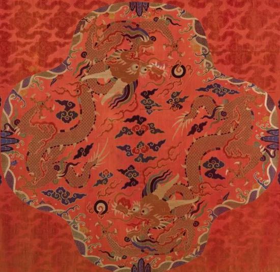明万历 红缎织彩金龙纹袍料