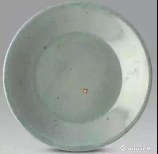 这件国宝级艺术品,三世是于1941年从传奇古董商卢芹斋(C.T。