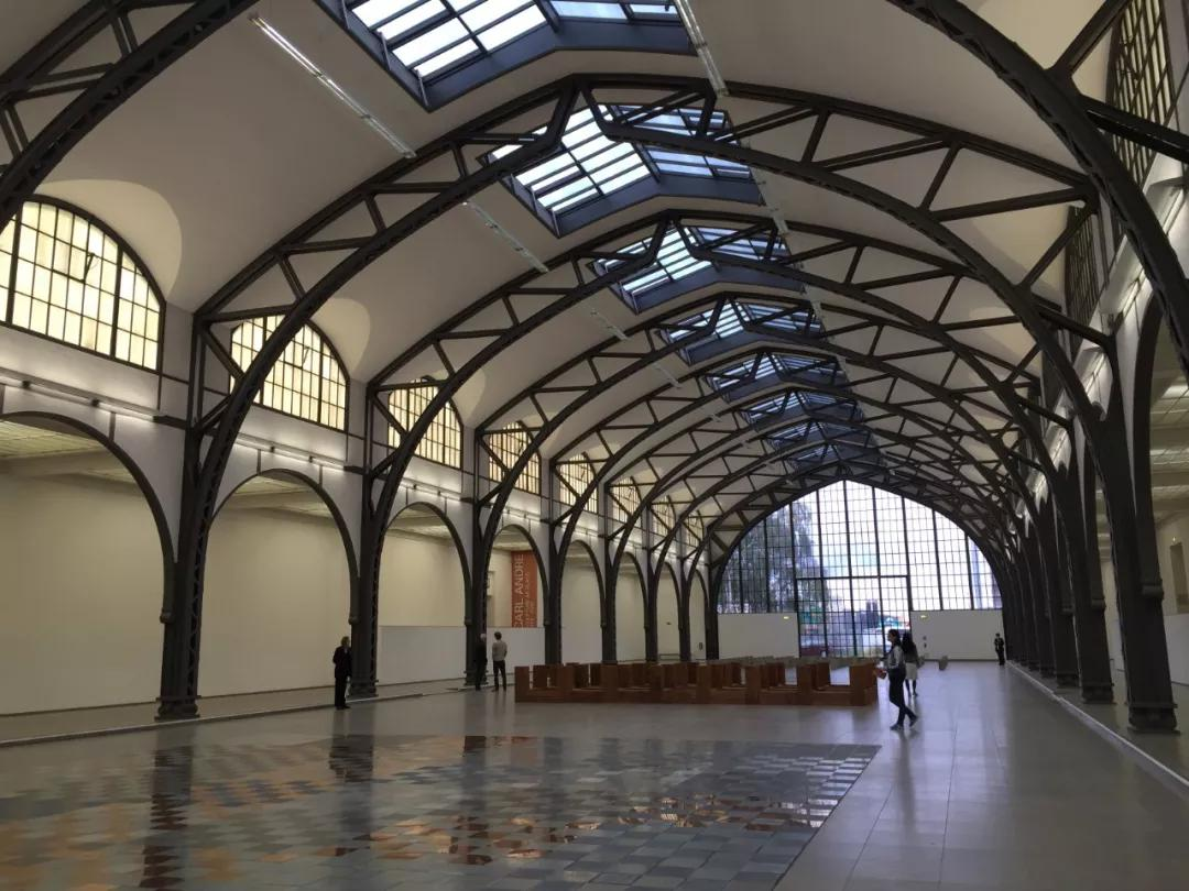 柏林当代艺术博物馆展览大厅 图片来源:Wikimedia Commons