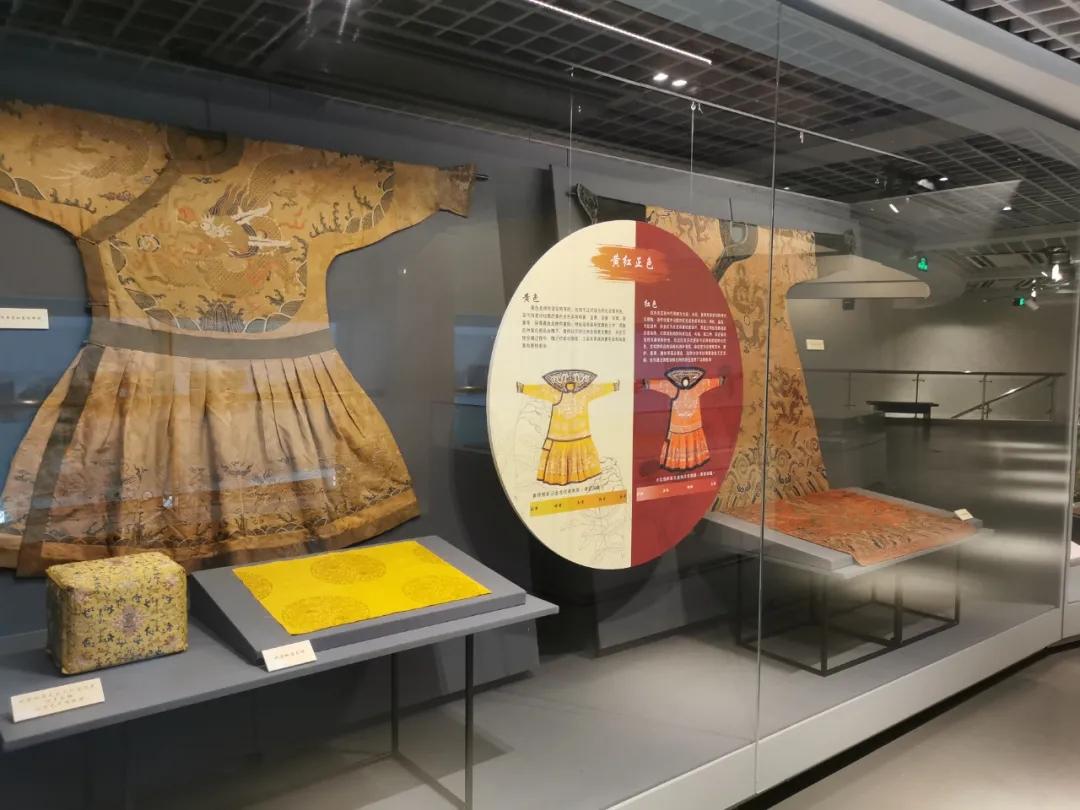 乾隆色譜2.0:清代宮廷絲織品的色彩重建