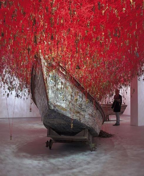 盐田千春,手中的钥匙,2015,日本馆,第56届威尼斯艺术双年展,意大利