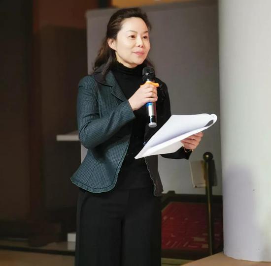 四川省非物质文化遗产保护中心主任李琳主持开幕式