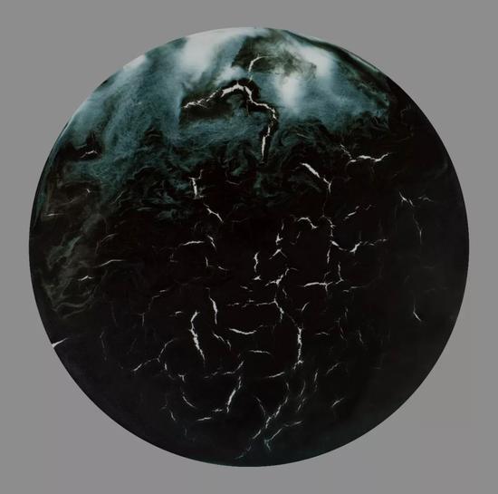 《深海》 瓷器 55x55cm 2016