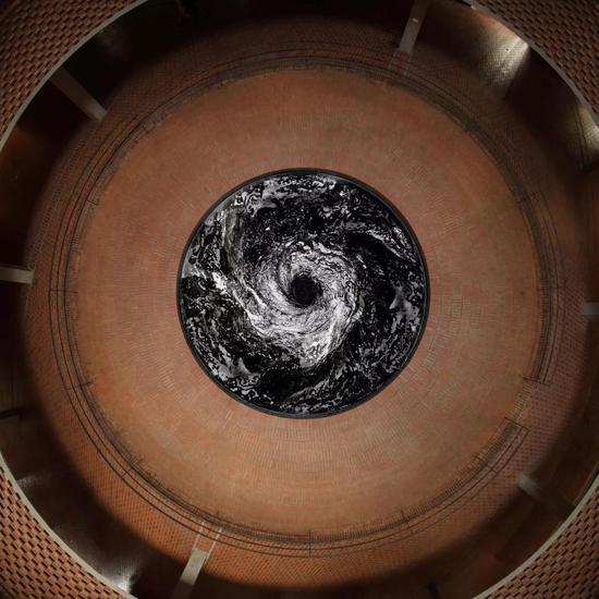 《下沉》红砖美术馆展出现场安尼施-卡普尔2015
