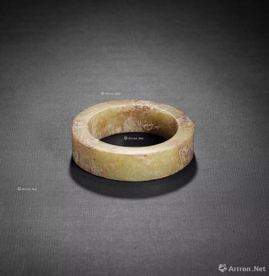 NO.28 新石器时代 褐黄玉镯