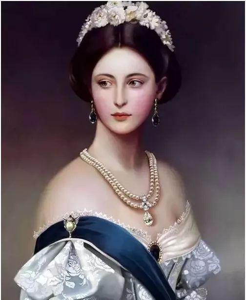 欧洲宫廷油画里美得惊艳的奢华珠宝