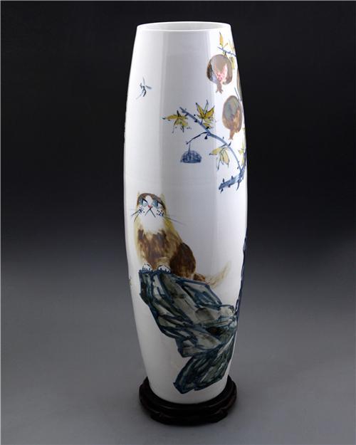 王纯祥《千猫瓶》长腰鼓瓶·黄花釉招财猫瓶之一