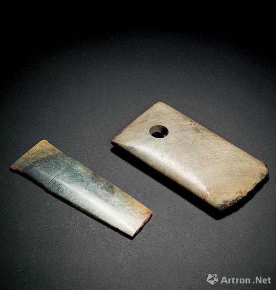 石斧、玉柄形器一组2件成交价:10.35万元