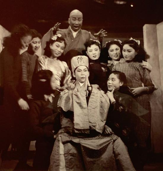 滑稽戏《活菩萨》上海